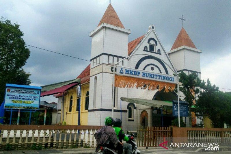 Puluhan personel kepolisian dikerahkan amankan Misa Natal di Bukittinggi