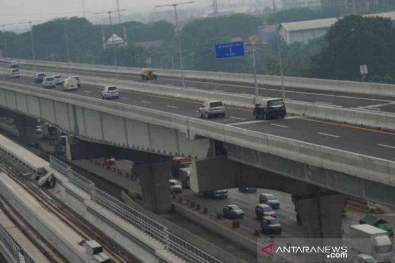 33 persen kendaraan mudik akhir tahun lintasi tol layang Japek