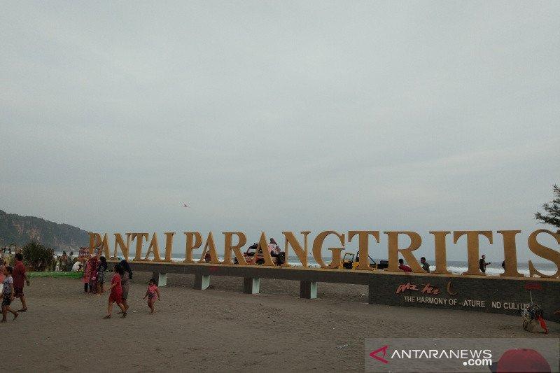 Pantai Parangtritis Bantul dikunjungi 23.950 wisatawan pada libur cuti bersama