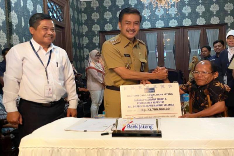 Bank Jateng salurkan CSR Rp72,7 juta untuk kelompok difabel Salatiga
