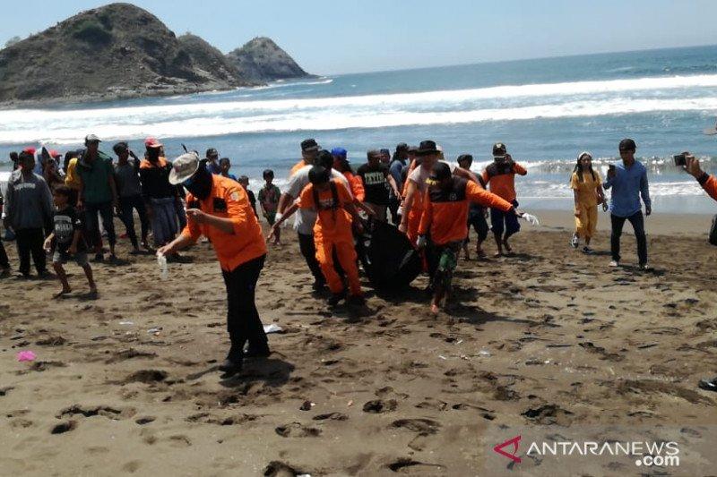 Wisatawan terseret ombak Pantai Payangan ditemukan meninggal
