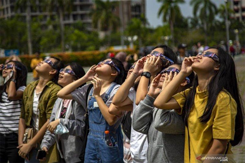 Kemarin ada gerhana matahari cincin, peringatan 15 tahun tsunami Aceh