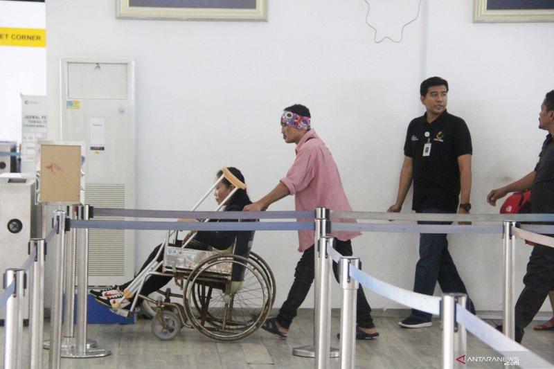 FOTO - Pekerja migran lumpuh dideportasi dari Malaysia