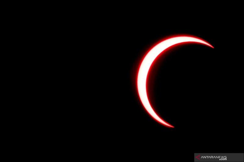 Warga Jakarta masih bisa lihat gerhana matahari secara daring