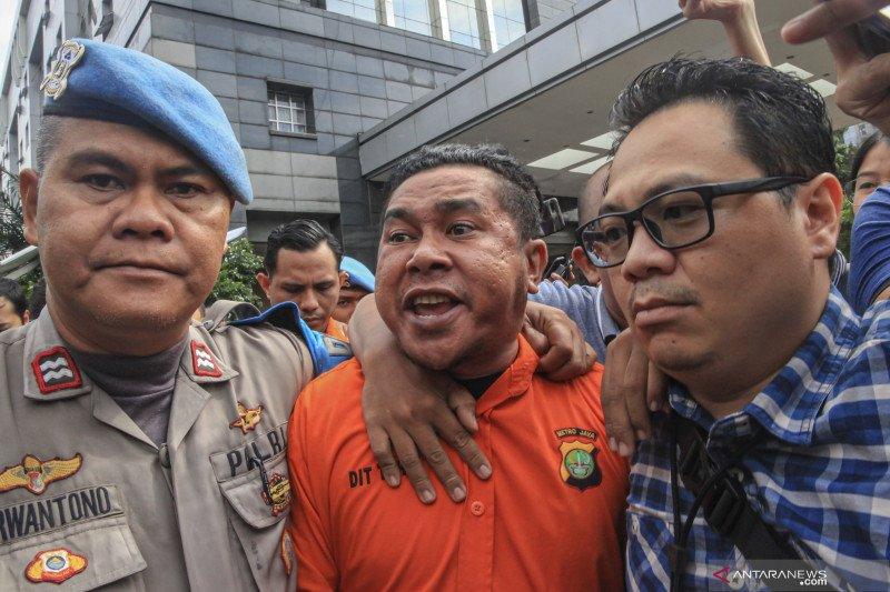 Polisi ungkap peran dari dua tersangka penyiraman air keras ke wajah Novel