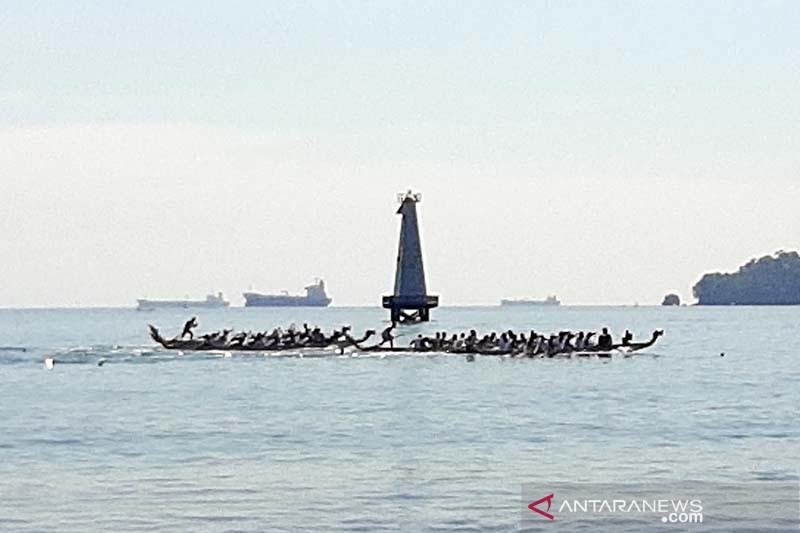 Pertamina Cilacap jaring  bibit atlet dayung melalui lomba perahu naga