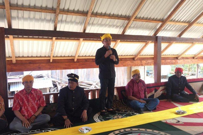Bupati Sigi : Adat harus jadi pemersatu masyarakat untuk perdamaian