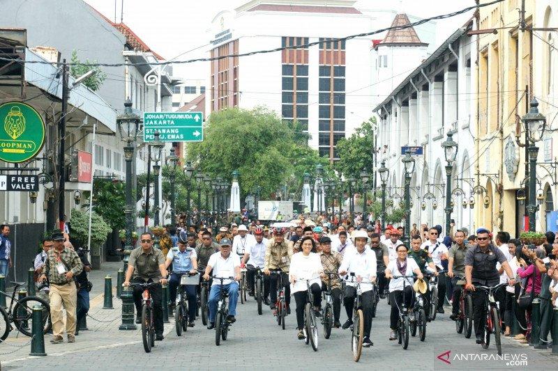 Presiden bersepeda sambangi kawasan Kota Lama Semarang