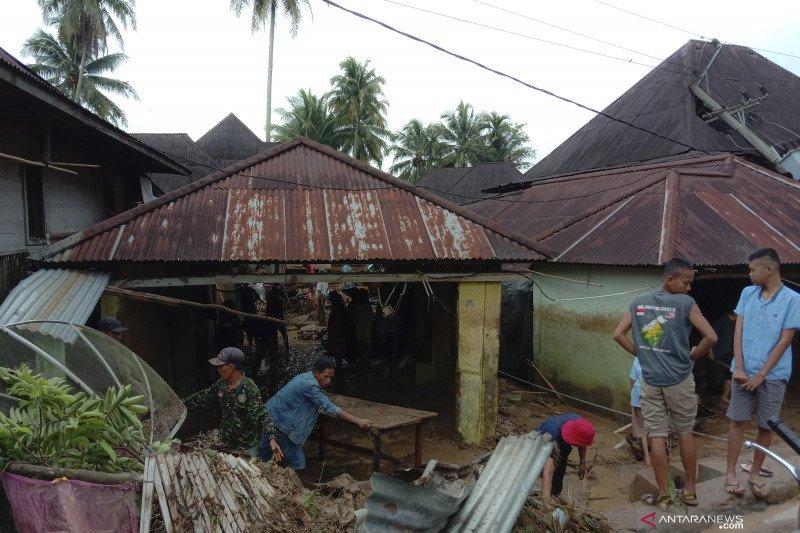 Banjir bandang di Lahat