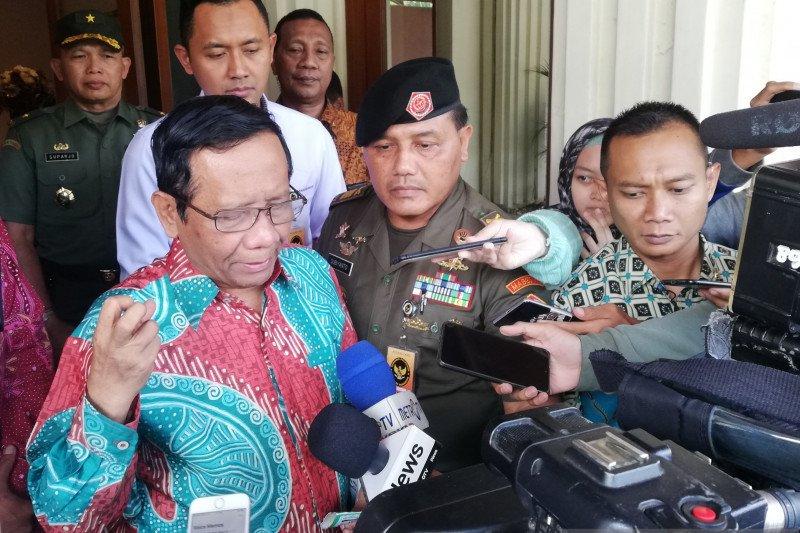 Jaringan telekomunikasi aman mandiri, Mahfud: TNI-Polri sudah punya