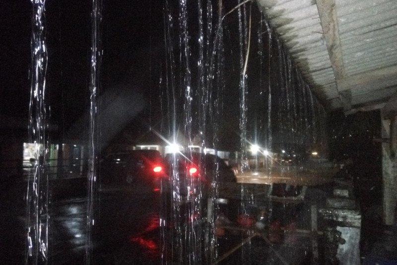 Lampung Timur diguyur hujan lebat di malam Tahun Baru 2020