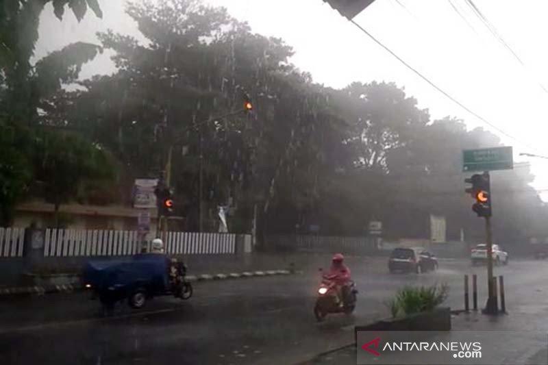 Malam pergantian tahun, BMKG prakirakan Jateng selatan diguyur hujan