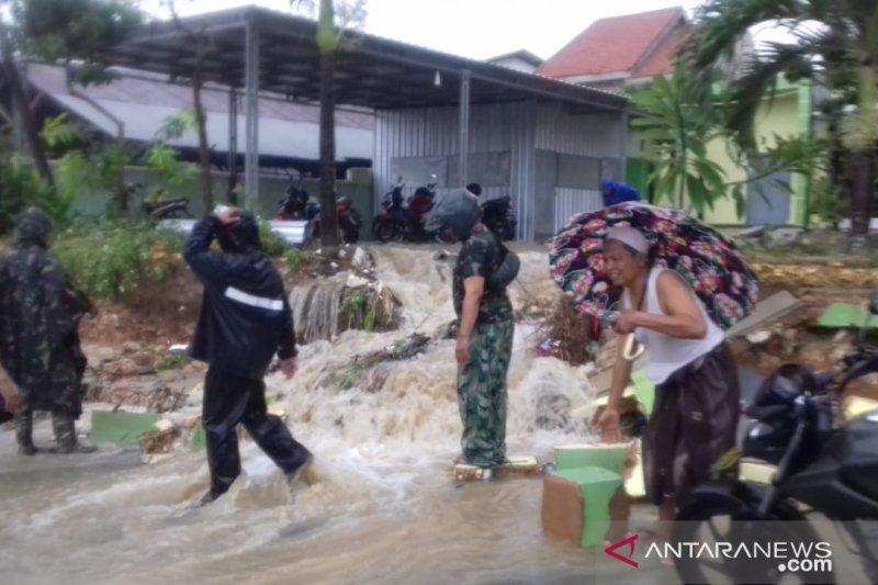 Banjir dan tanah longsor melanda Pamekasan di awal 2020