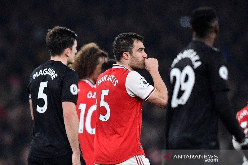 Arsenal menang perdana di bawah Arteta, bungkam MU 2-0