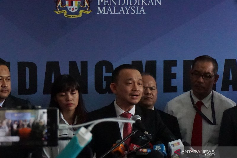 Menteri Pendidikan Malaysia menyampaikan pengunduran diri