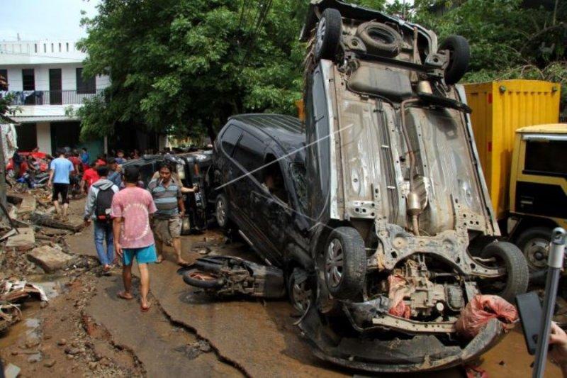 Dampak banjir di Pondok Gede Jakarta