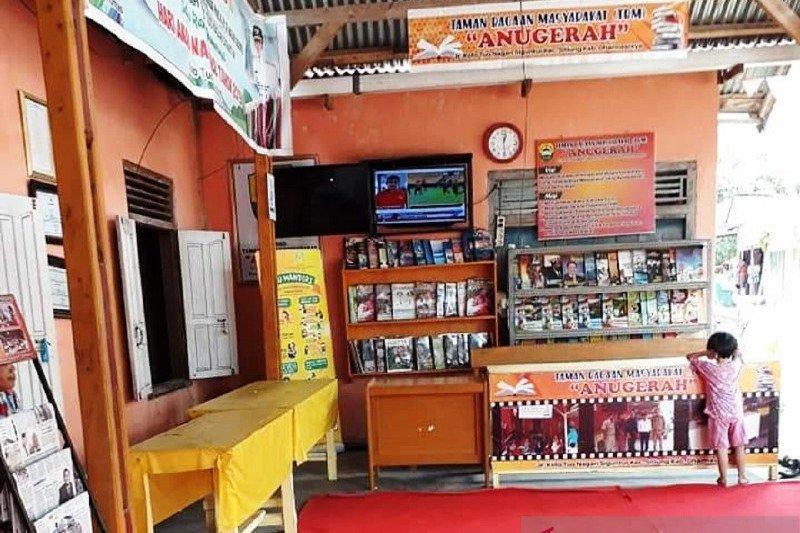 Dharmasraya tambah koleksi buku perpustakaan keliling dan nagari