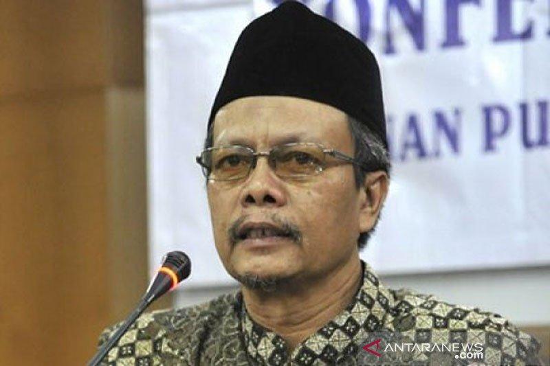 Para pelayat berdatangan untuk hormati Yunahar Ilyas di Yogyakarta