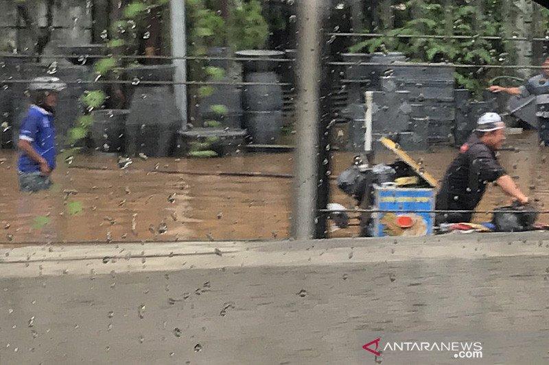 Hujan petir diprakirakan landa Jaksel dan Jaktim Jumat malam