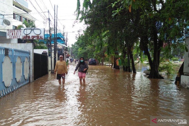 Indef sebut lima sektor ekonomi kena imbas banjir Jabodetabek