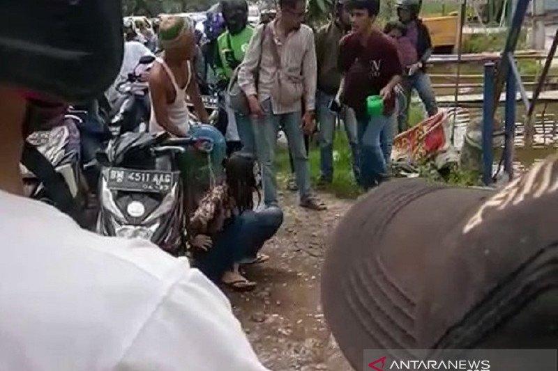 Polisi Pekanbaru mengamankan wanita mabuk viral di medsos