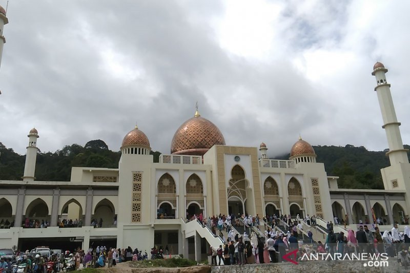 UAS hopes that the Islamic Center can become an icon of religious tourism in Sumatra