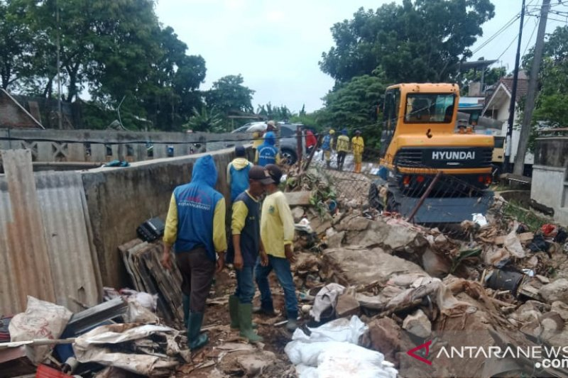 Pemkot Tangerang percepat perbaikan tanggul jebol