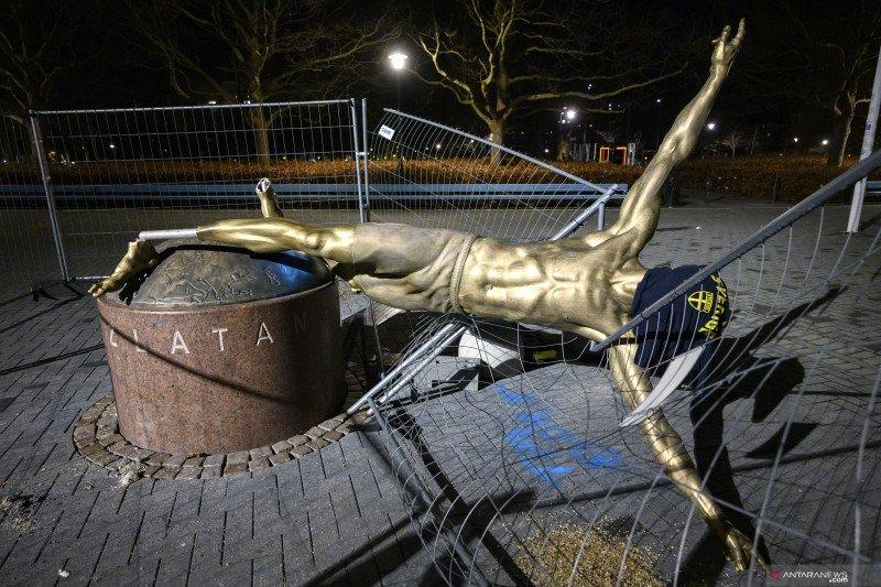 Investasi ke klub Hammarby, Patung Ibrahimovic di Swedia dirobohkan