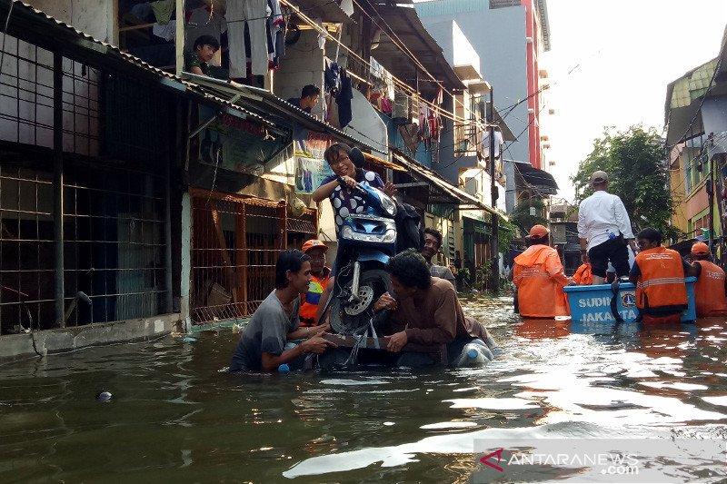 Humaniora sepekan, kisah banjir dan pesawat nirawak