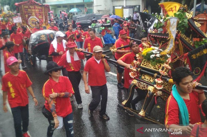 Ratusan umat Tri Dharma sambut perayaan Bwee Gee