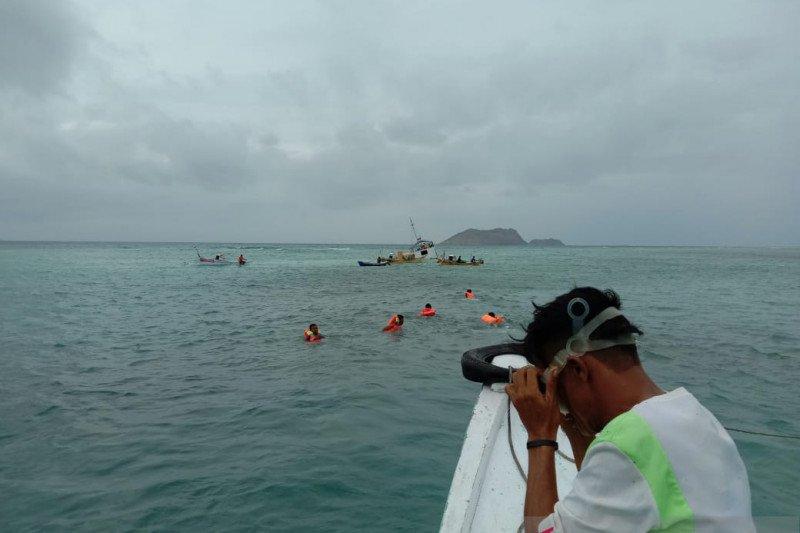 Kapal bermuatan 18 ton garam karam di perairan Manggarai Barat
