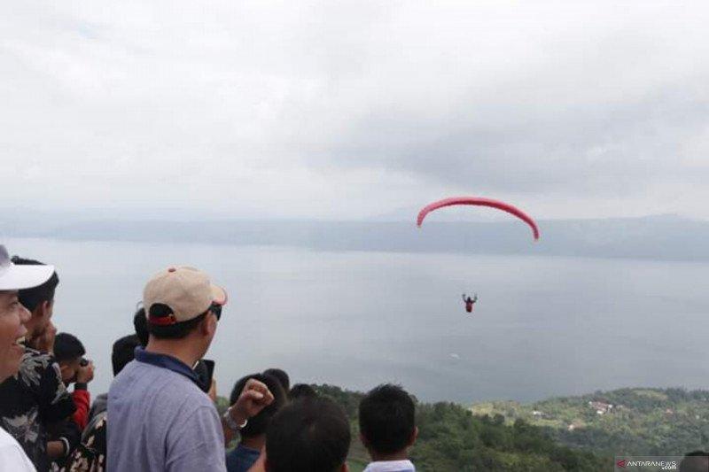Puncak Macau Malalo Tanah Datar suits for paragliding lovers