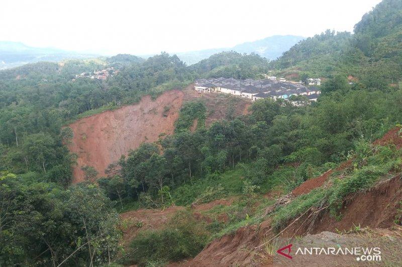 Tersisa tiga desa terisolasi di Sukajaya Bogor