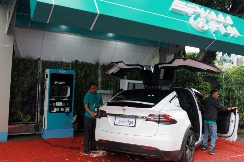 Tekan emisi, pemerintah perbanyak tempat isi daya kendaraan listrik