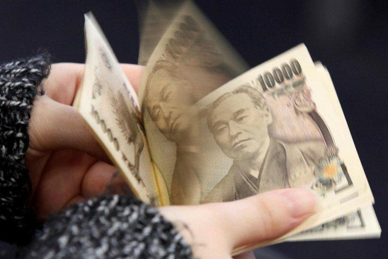 Yen menguat dan yuan melemah
