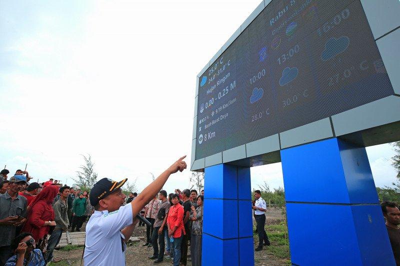 Pesisir Surabaya dipasangi enam papan informasi cuaca digital