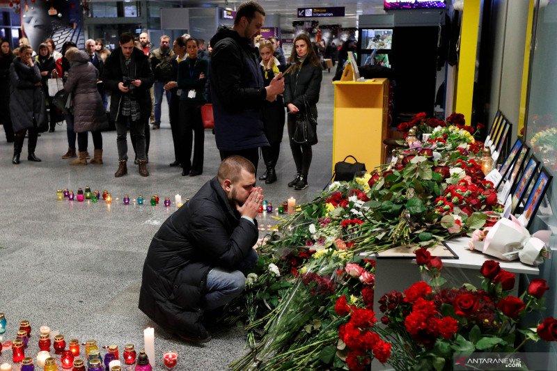 Intelijen Barat: Kecelakaan pesawat Ukraina bukan dari tembakan rudal