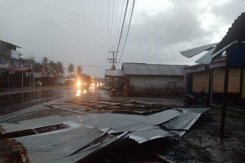 Hujan lebat akibatkan belasan rumah terendam banjir di Agam