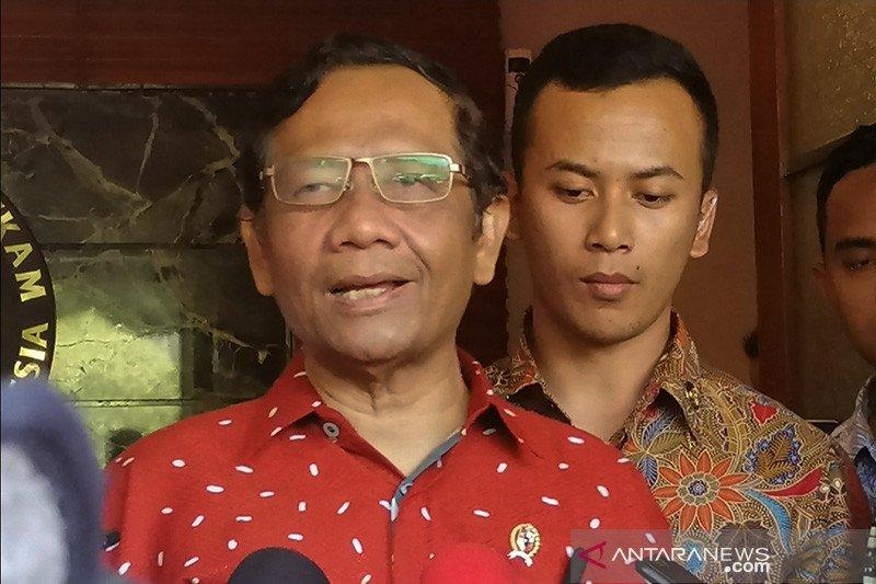 Mahfud perpanjang SK Satgas Saber Pungli
