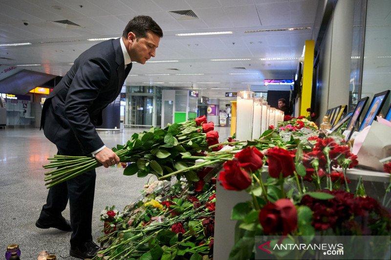 Presiden Ukraina desak penyelidikan penuh atas penembakan pesawatnya