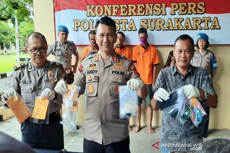 Enam tersangka kasus narkoba termasuk residivis diperiksa Polresta Surakarta