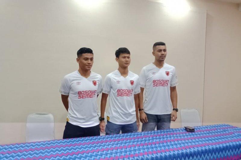 Dua mantan pemain Semen Padang berlabuh ke PSM