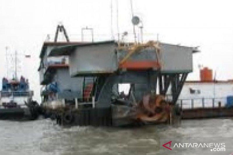 KSOP Pangkalbalam gelar operasi WNA di kapal tambang timah