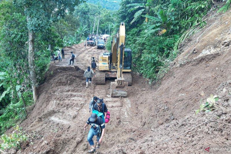 ACT salurkan bantuan korban tanah longsor di Kabupaten Lebak