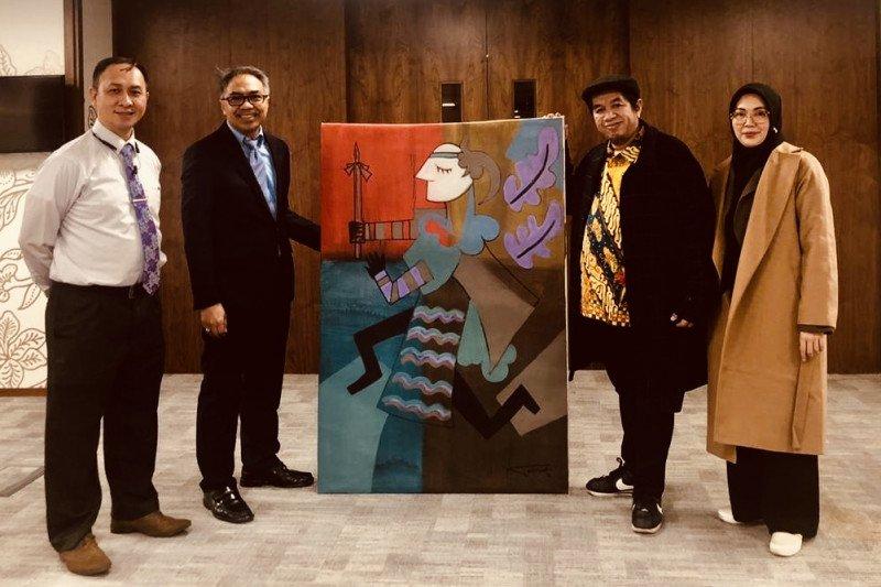 Karya pelukis Indonesia tarik perhatian penikmat karya seni di London