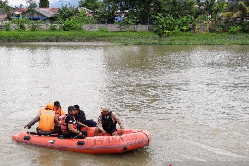 Tiga remaja tenggelam saat mencari ikan di Sungai Palu