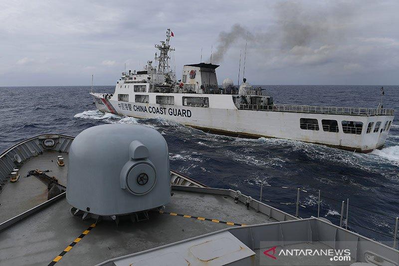 Tiga KRI Koarmada I Usir Kapal ikan asing di Perairan Natuna Utara