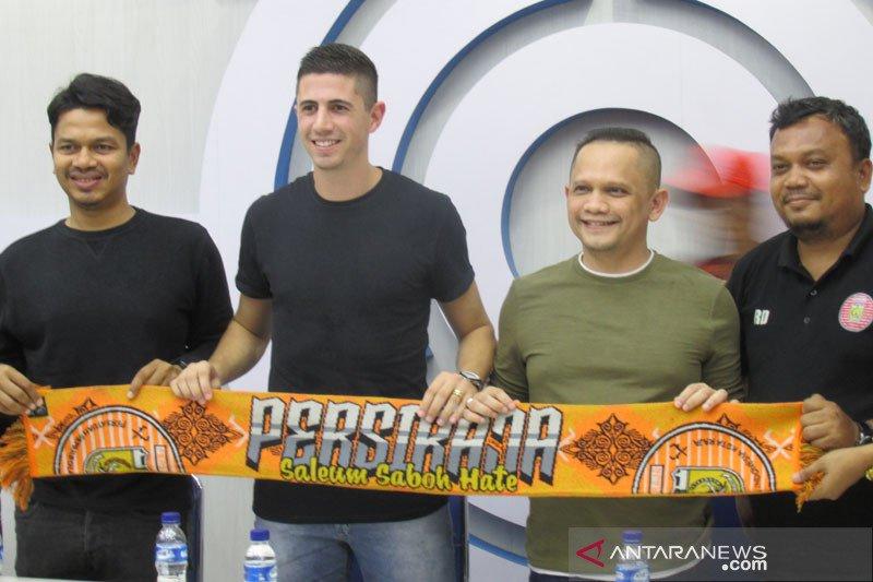 Pemain asing eks timnas Brasil dikenalkan Persija