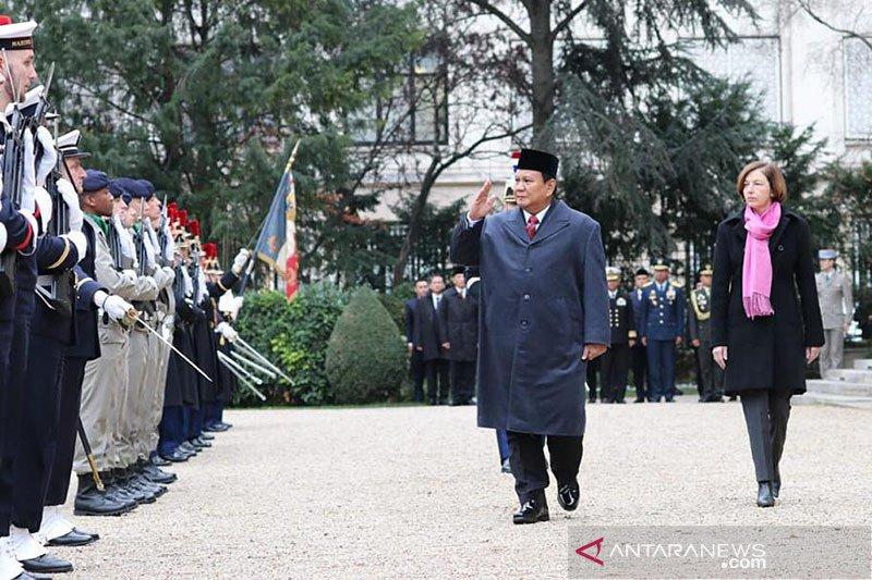 Perkuat kerja sama pertahanan dan alutista, Prabowo kunjungi Prancis