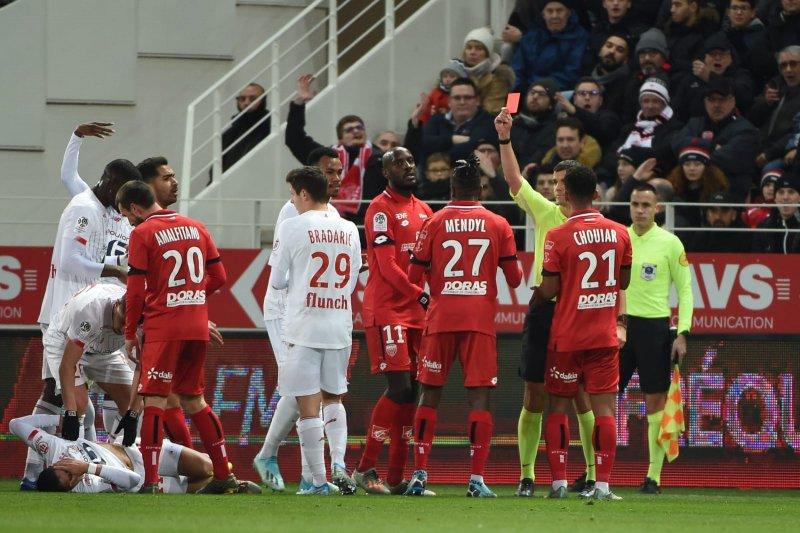 Diwarnai drama dua kartu merah, Dijon tekuk Lille 1-0